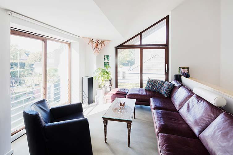 Holzhaus Bremen, Moderne Holzfenster mit schmalen Profilen