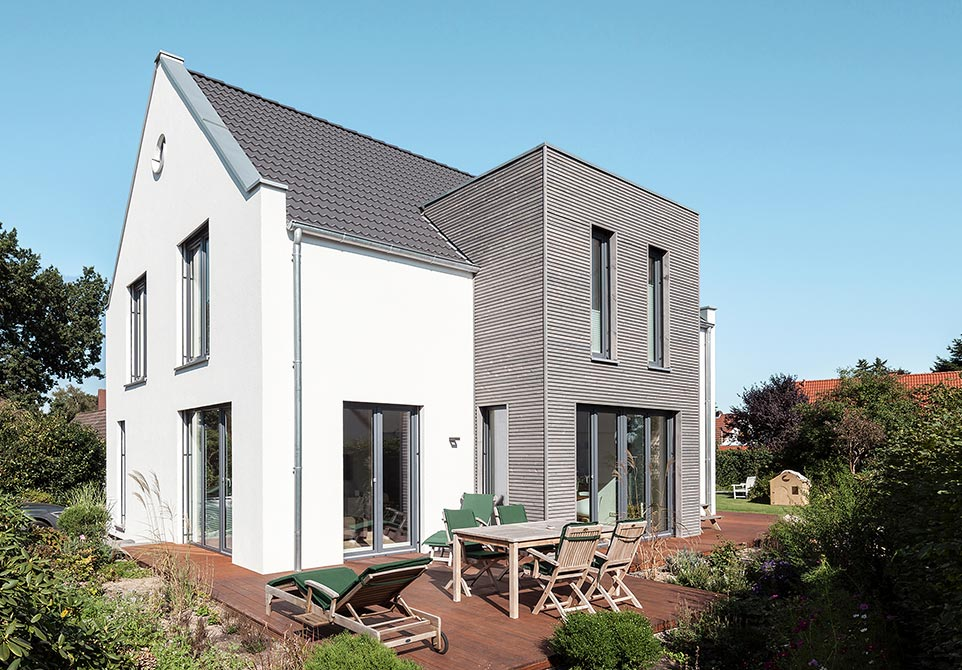 Modernes ökologisches Holzhaus