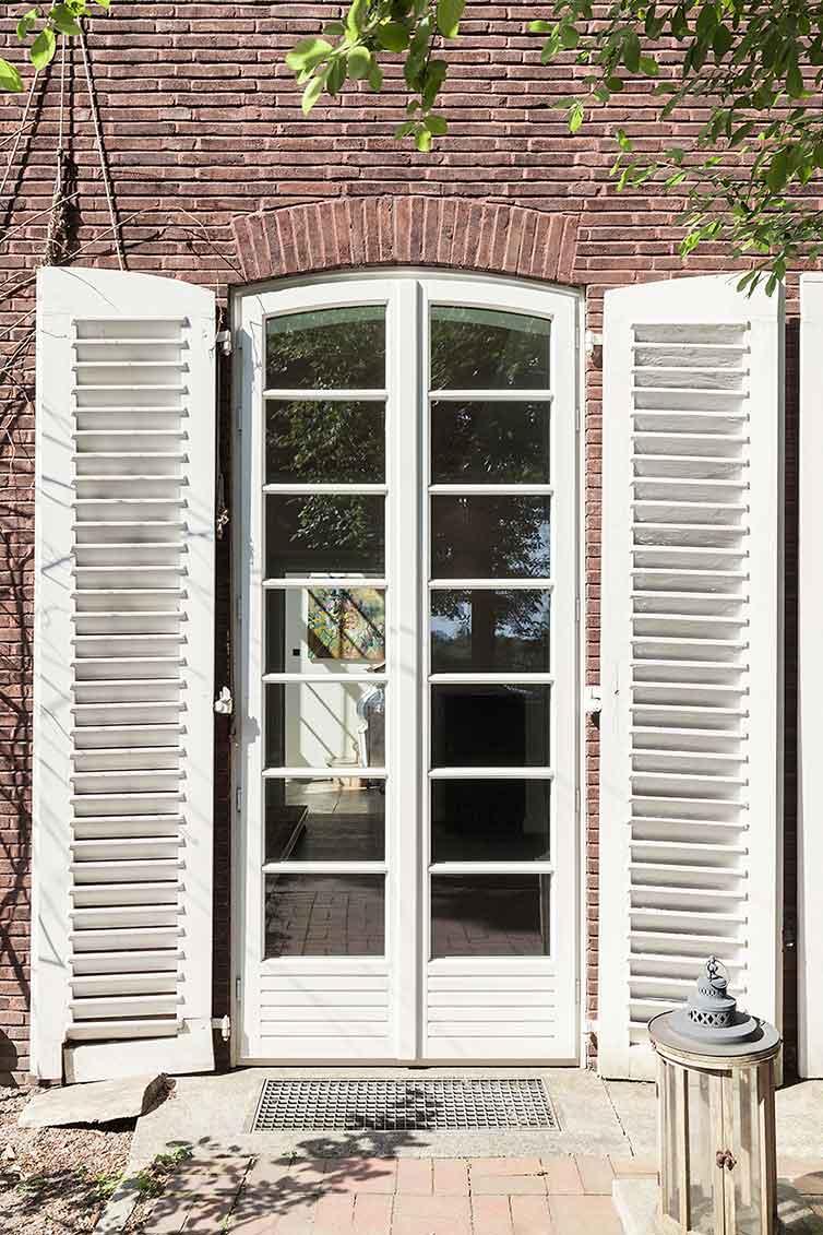 Rundbogentüren aus Holz, Bremen