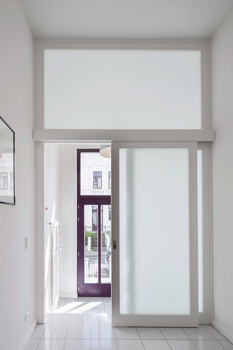 Schiebetür aus Holz, Bremen Ostertor, Eingangsbereich